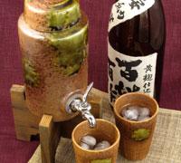 焼酎サーバーとカップ2個